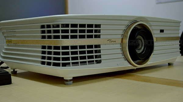 Optoma UHD65 DLP Projector Review - Gizbot Reviews