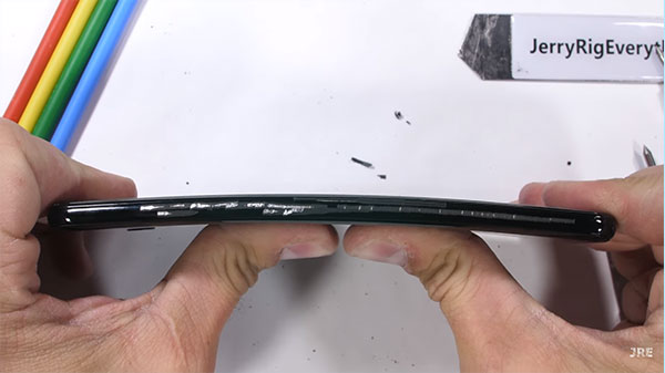 Google Pixel 3XL put through stringent tests: Will it survive?
