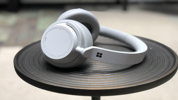 Microsoft unveils Surface Headphones for Rs. 25,500