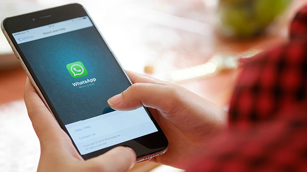 WhatsApp gets iPhone XS Max resolution and autoplay for voice messages