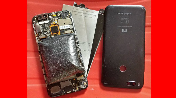 Xiaomi Mi A1 Blast (catches fire) while playing PUBG