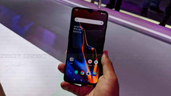 Buy OnePlus 6T with Rs. 1,500 cashback until December 10