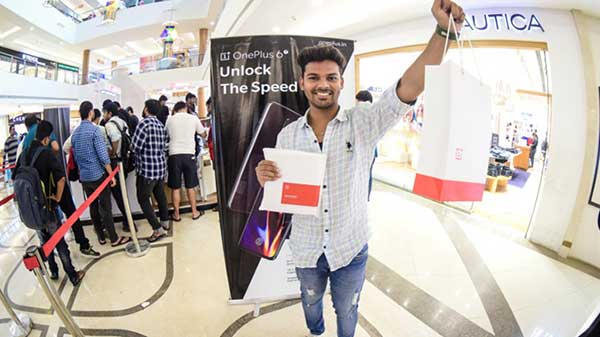 Massive queues at Pop-ups event show OnePlus rules the market