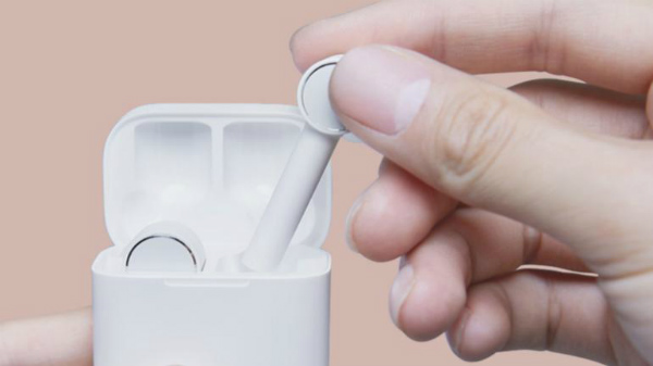b18498ed007 Xiaomi Mi Air True Wireless Earbuds officially launched for Rs 4,100 ...