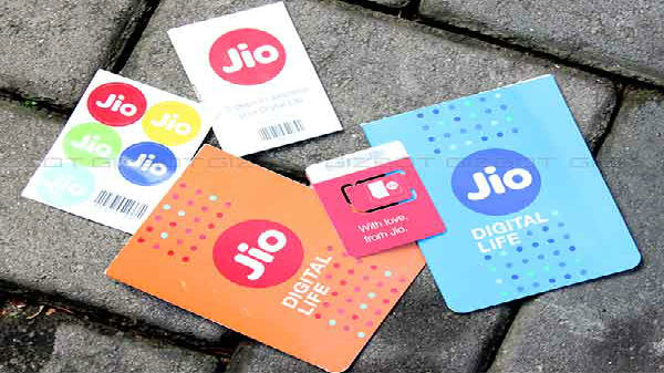 Reliance launched JioGroupTalk mobile app with HD voice calling support