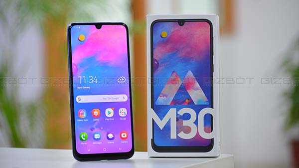 Samsung Galaxy M30 with triple rear cameras flash sale today in India