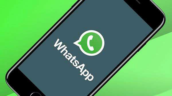 WhatsApp update brings 155 redesigned emojis and Night Mode