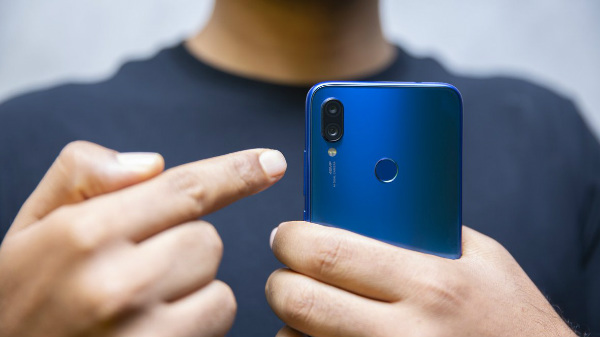 Redmi Note 7 Pro Flash Sale In India Today At 12 PM – Price And Offers