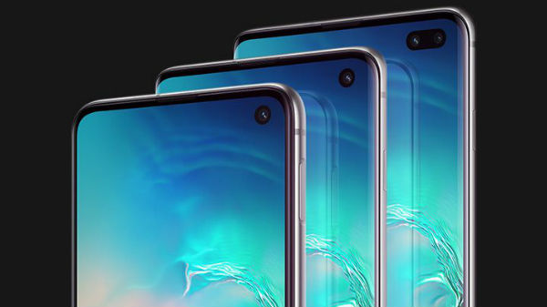 Best Smartphones With Punch Hole Display Available In India