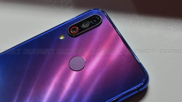 LG W30: The Good, The Bad, And The X Factor