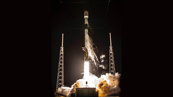 SpaceX Falcon To Launch Private Moon Lander