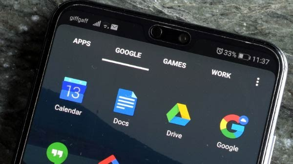 Should You Really Use Dark Mode On Your Smartphone?