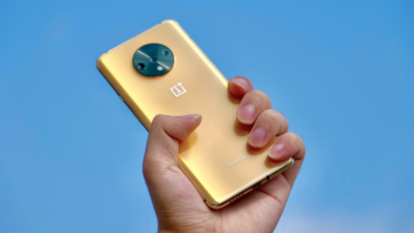 You Cannot Buy This Golden OnePlus 7T That Looks Incredible