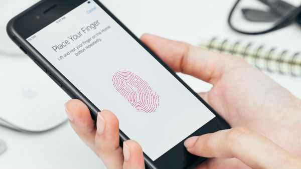 Apple iPhones To Get Qualcomm's In-Display Fingerprint Scanner?