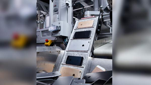 Apple's Daisy Pushes Recycling Of Gadgets