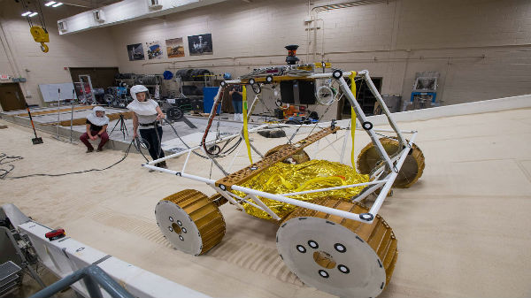 NASA VIPER Rover To Hunt Water During Artemis Moon Mission