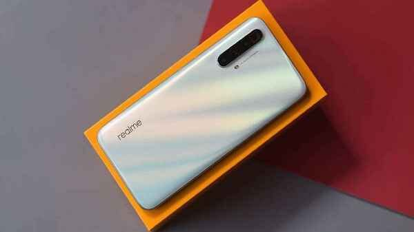 Mysterious Realme RMX2200 Appears On TEENA