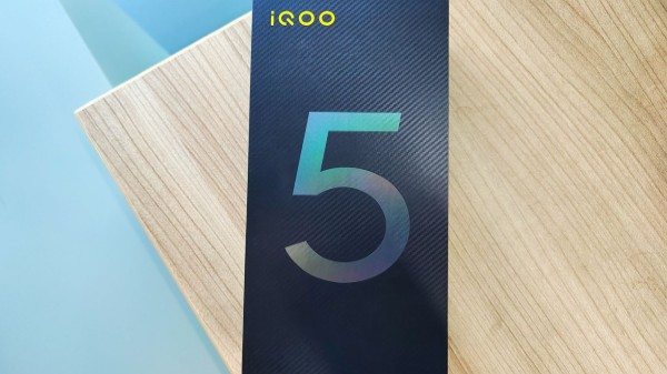iQOO 5 Pro Live Images Leak: Triple Rear Cameras, Punch-hole Display And More Hinted