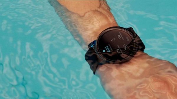 OnePlus Watch Receives AOD Mode, Remote Control Camera Function