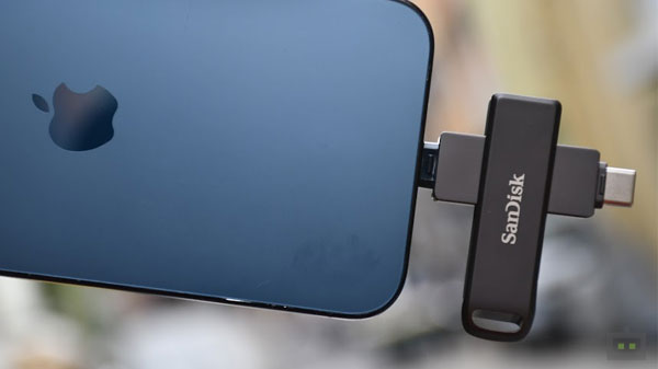 Sandisk iXpand Flash Drive Luxe Review: It's Everything You Need