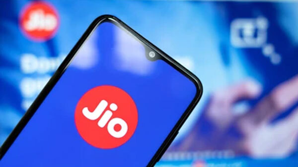 Reliance Jio To Launch 4G Smartphone With Google In India