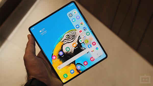 Samsung Galaxy Z Fold 3 Display Tips & Tricks