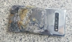 Samsung Galaxy S10 5G suddenly catches fire in user's hand