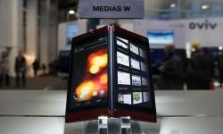 NEC Medias W N-05E: NTT Docomo Unveils Dual Touch Screen Smartphone