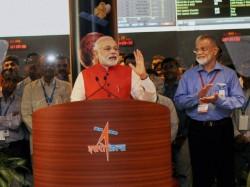 Modi Congratulates ISRO Scientists