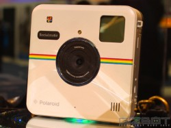 Poloroid's New Ink-Free Printer Let's You Directly Print Pictures From Your Smartphone Instantly