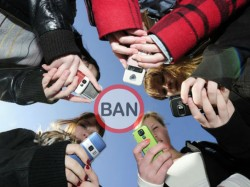 Mobile phone Ban in Schools improves Grades: Study
