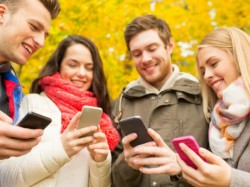 Smartphone users spend 169 mins daily on their devices: Vserv