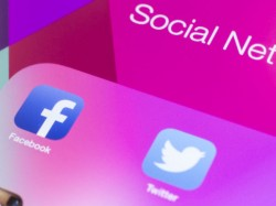 Twitter lags far behind Facebook in US online usage