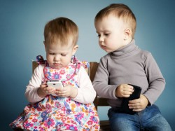 5 Reasons Not To Give A Smartphone To Your Kid
