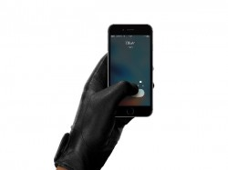 Muzzo pioneers New line of Leather Touchscreen Gloves