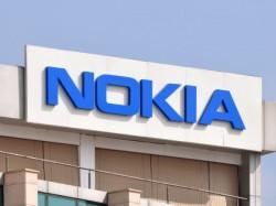 Microsoft sells Nokia branding rights to HMD Global, Foxconn