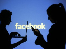 Facebook is disabling messaging in its mobile web app