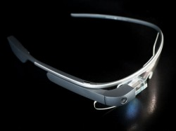 Boeing using Google Glass to build airplanes: Report