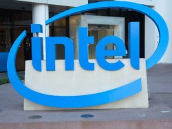 Intel to develop ARM-based smartphone chips