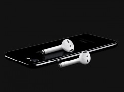 Quick Hack: How to Listen to Music and Charge Your iPhone 7 Simultaneously