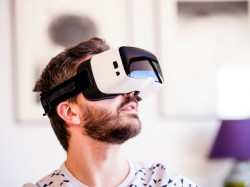 Alcatel unveils stand-alone VR headset