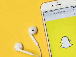 Snapchat updates guidelines to tackle fake news