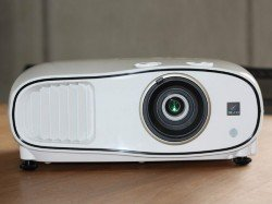 EPSON launches new 3LCD home theater projector EH-TW6700