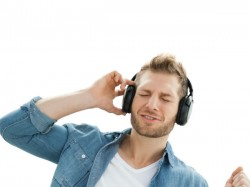 MuveAcoustics introduces new wireless Bluetooth headphone Evoke
