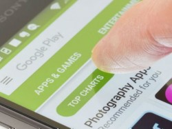 Google pulls down 85 apps from Play Store for stealing social network passwords