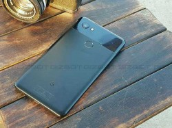Google Pixel 2 XL users face voice messaging issue; fix on the way