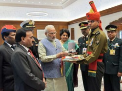 Governement to launch Aadhaar-based mobile application for army personnel