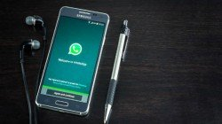 WhatsApp lets users add public group description in beta version