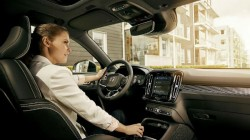 Volvo Cars to embed Google Assistant, Play Store, and Google Maps
