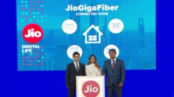 Jio GigaFiber Launched in India And Offers Free 4K LED TVs, First-Day-First-Show Service And More